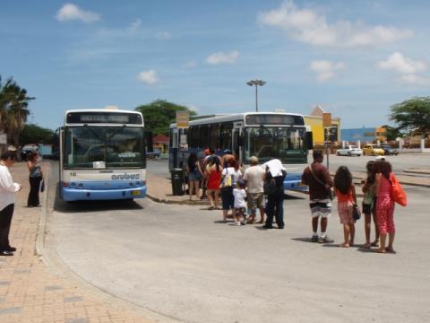 autobuses-aruba.jpg